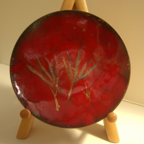 Red dish with gold
